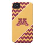 Marrón y oro M de Minnesota iPhone 4 Protector