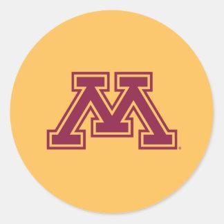Marrón y oro M de Minnesota Etiqueta Redonda