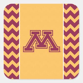 Marrón y oro M de Minnesota Pegatina Cuadrada