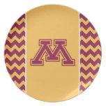 Marrón y oro M de Minnesota Plato De Cena