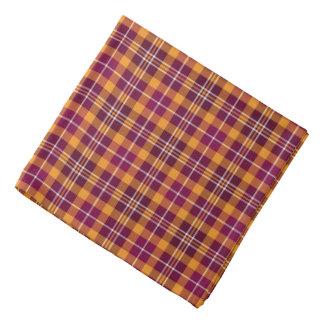 Marrón y tela escocesa deportiva anaranjada bandanas