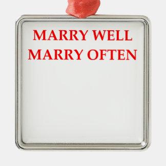 MARRY METAL ORNAMENT