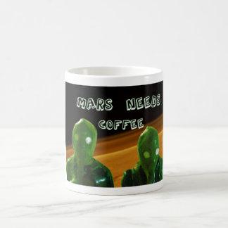 Marte necesita el café tazas de café