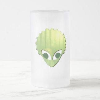 Martian heló la taza de cerveza