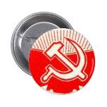 Martillo, hoz, y banderas rojas pin