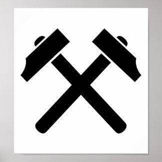 Martillo negro cruzado posters