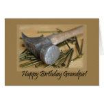 Martillo y abuelo del feliz cumpleaños de los clav tarjeton