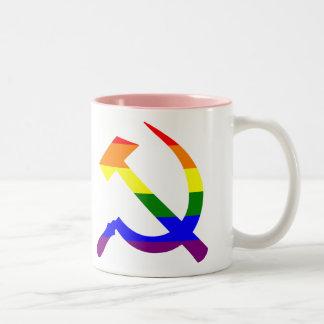 Martillo y hoz soviéticos del arco iris del orgull tazas