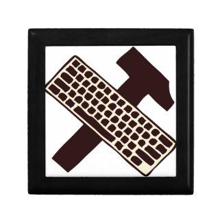 Martillo y teclado caja de recuerdo
