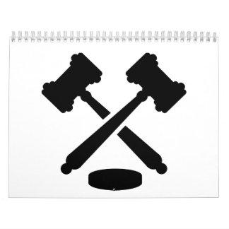 Martillos cruzados del juez