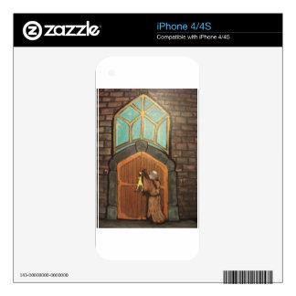 Martin Luther clava el pollo de goma a la puerta d iPhone 4 Calcomanía