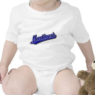 Martínez en azul traje de bebé