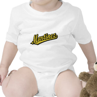 Martínez en oro traje de bebé
