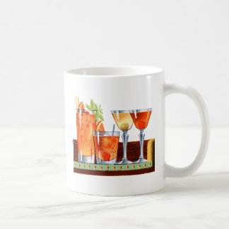Martinis retros de las bebidas de los cócteles del taza de café
