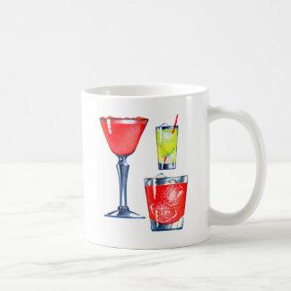 Martinis retros de las bebidas de los cócteles del tazas de café