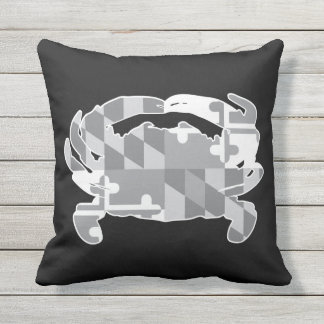Maryland Flag/Crab greyscale pillow - black