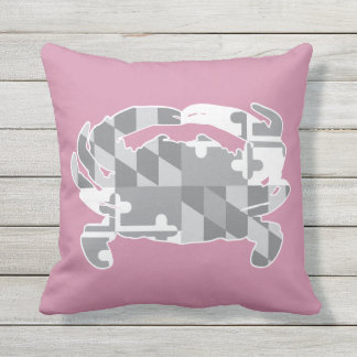 Maryland Flag/Crab greyscale pillow - pink