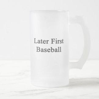 Más adelante primer béisbol tazas de café