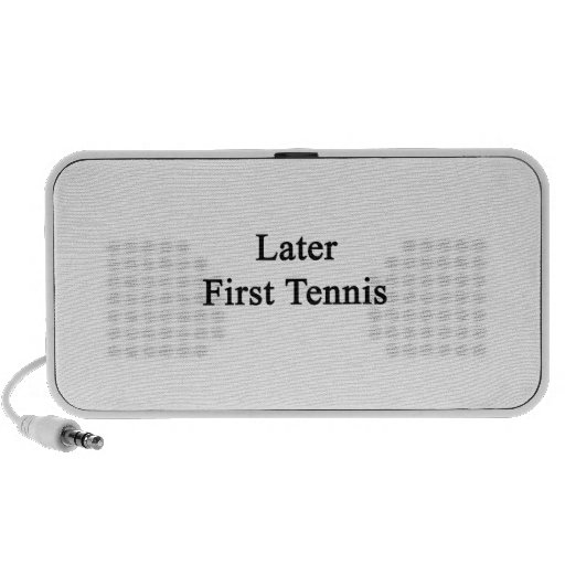 Más adelante primer tenis altavoz de viajar