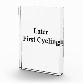 Más adelante primero completando un ciclo