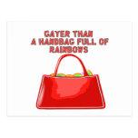 Más alegre que un bolso por completo de arco iris tarjeta postal