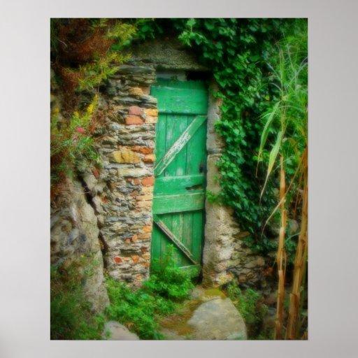 Más allá de la puerta verde posters