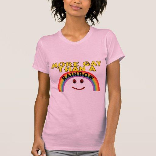 Más gay que un arco iris camiseta