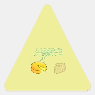Más santo que el queso de la actitud de mil pegatina triangular