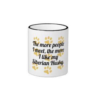 Más tengo gusto de mi husky siberiano taza de dos colores