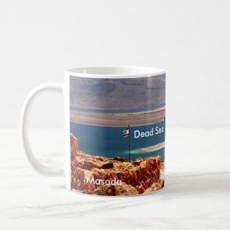 Masada, sello fotográfico del mar muerto, Jordania Taza Básica Blanca