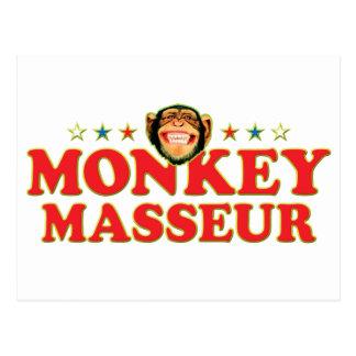 Masajista enrrollado del mono tarjeta postal
