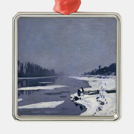 Masas de hielo flotante de hielo en el Sena en Adorno