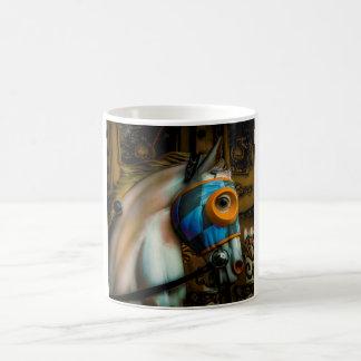 Máscara a cuadros pintada taza clásica