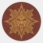 Máscara azteca de Sun - rojo de oro Etiquetas Redondas