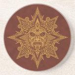Máscara azteca de Sun - rojo de oro Posavasos Para Bebidas