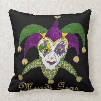Máscara colorida de los bufones del carnaval almohadas
