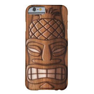 Máscara de madera de Tiki Funda De iPhone 6 Barely There