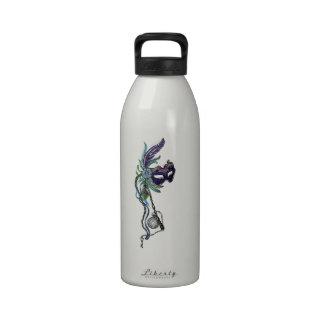 Máscara del carnaval con el reloj de bolsillo botella de agua reutilizable