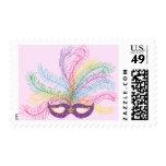 Máscara del carnaval con las plumas franqueo