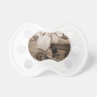 máscara del tábano sobre sepia de la cerca chupete