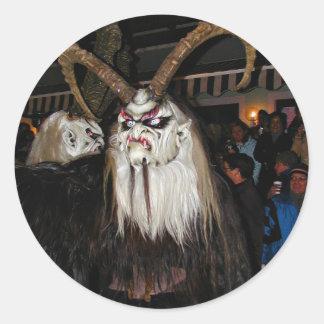 Máscara japonesa de cuernos del diablo pegatina redonda