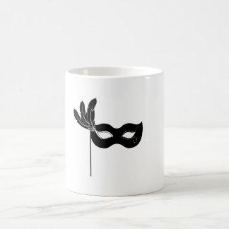 Máscara negra del Harlequin Tazas De Café