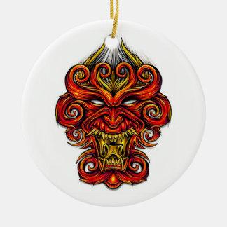 Máscara oriental del demonio del dibujo animado de adorno de navidad