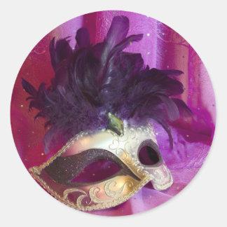 Máscara púrpura de la mascarada pegatinas redondas
