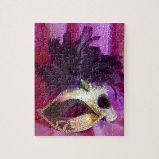 Máscara púrpura de la mascarada rompecabezas con fotos