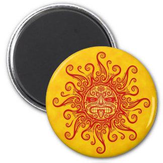 Máscara roja y amarilla de Sun Imán De Frigorifico