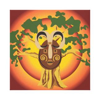 Máscara tribal primitiva en el árbol Sun que Impresión En Lienzo