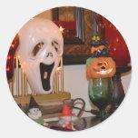 Máscara y estatuillas de Halloween Pegatina Redonda