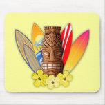 Máscara y tablas hawaianas de Tiki Alfombrilla De Ratón