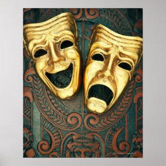 Máscaras de oro de la comedia y de la tragedia en  poster